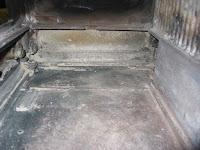 薪ストーブ炉内底部