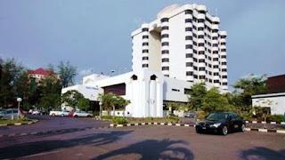 https://i0.bookcdn.com/data/Photos/Big/489/48901/48901563/Putra-Palace-Kangar-photos-Exterior-Hotel-information.JPEG