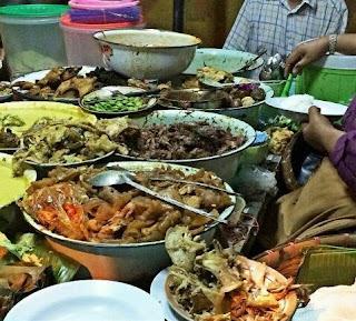 Tempat Wisata Kuliner di Semarang, Gudeg Koyor Mbak Tum