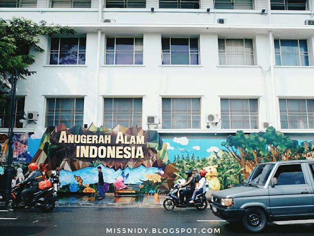 foto di jalan asia afrika bandung