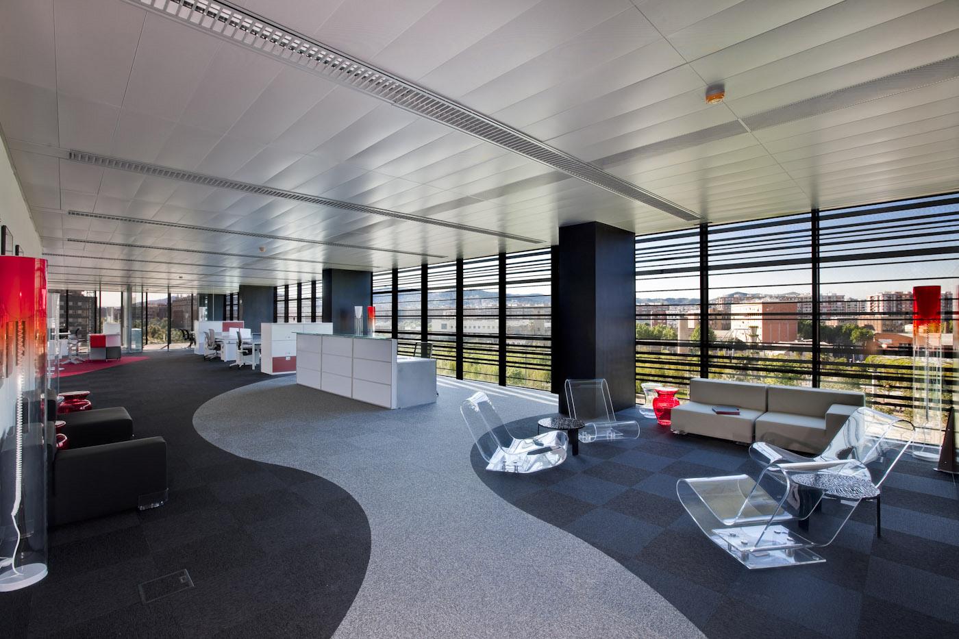 Vanlux ilumina un edificio de dominique perrault for Los mejores disenos de interiores del mundo