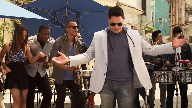 Rey Ruiz - ¨Amor bonito¨ - Videoclip - Dirección: Yeandro Tamayo. Portal Del Vídeo Clip Cubano - 06