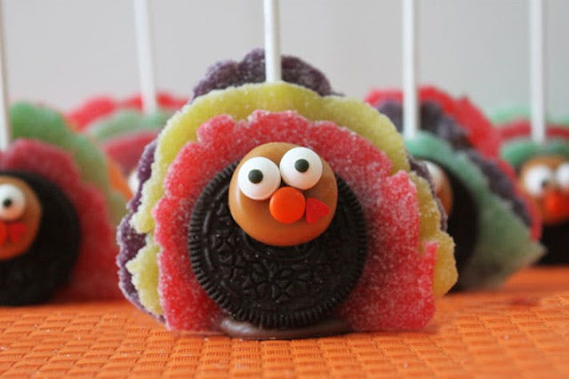 No bake Thanksgiving Day dessert recipe Turkey pops made with oreo cookies
