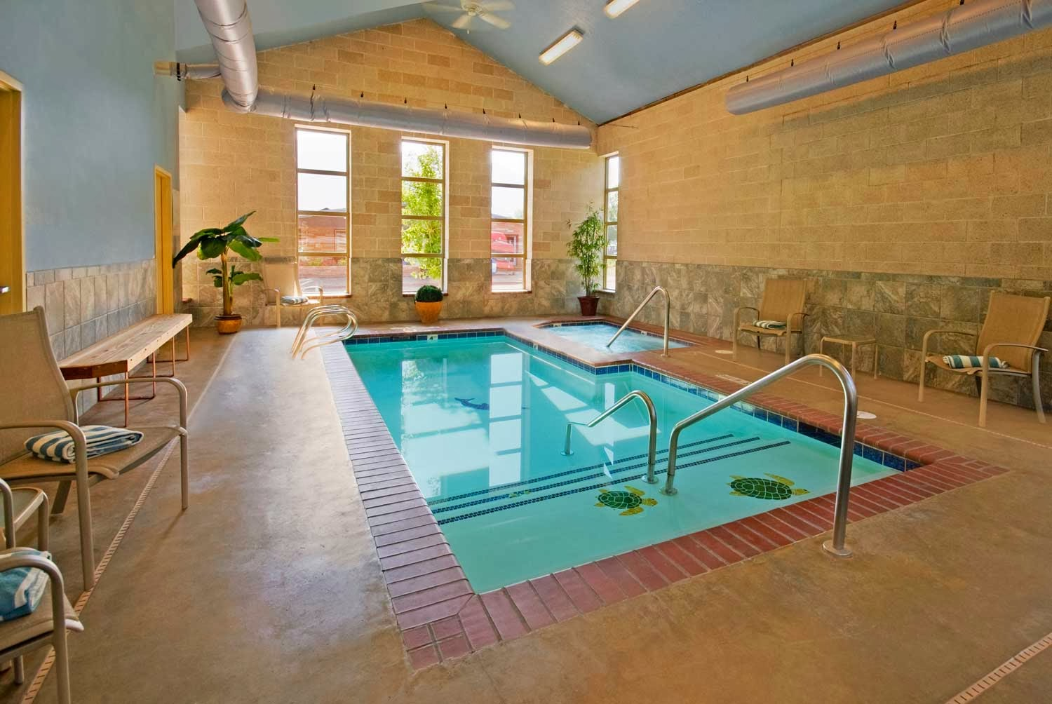 Foundation Dezin & Decor...: Indoor Swimming Pool Design
