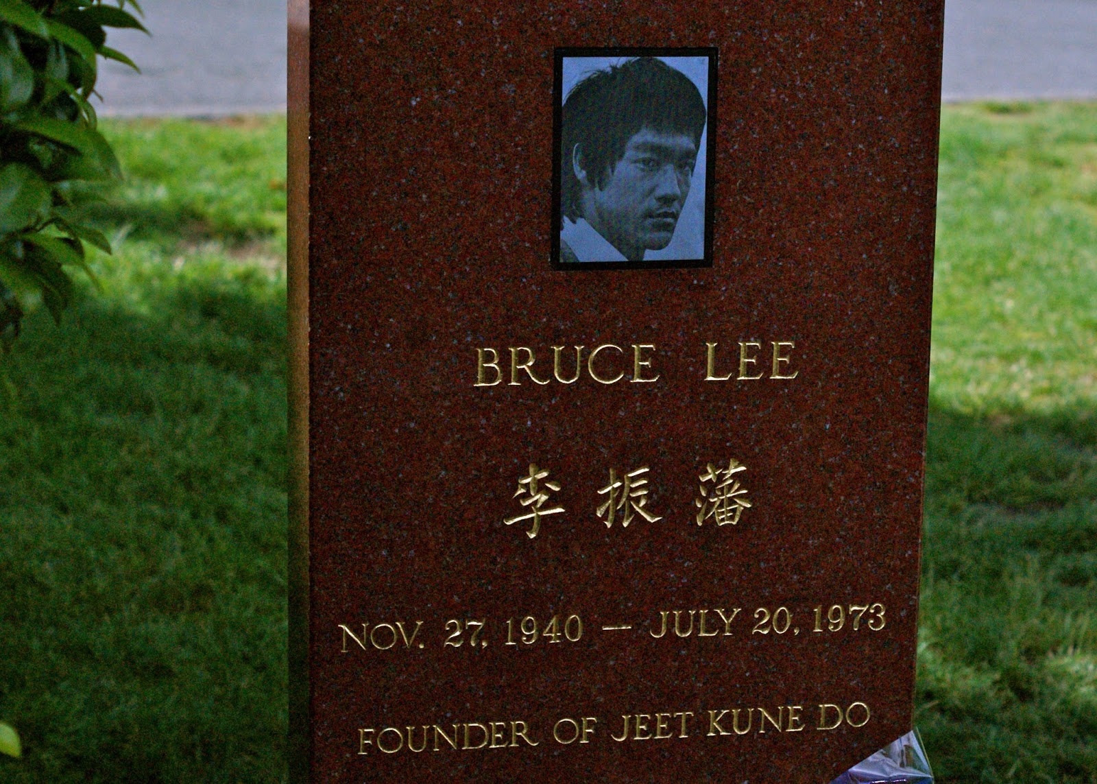 A lápide de Bruce Lee, em Seattle