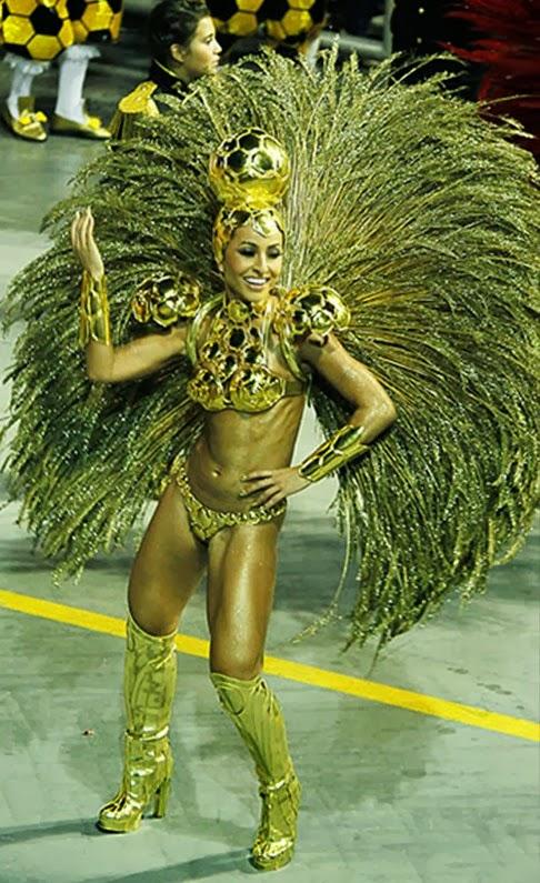 09175dc87ca03 Com 43,3% dos votos da enquete publicada pelo EGO, Sabrina Sato foi eleita  pelos internautas a musa do sábado de carnaval. Sabrina desfilou com uma  fantasia ...