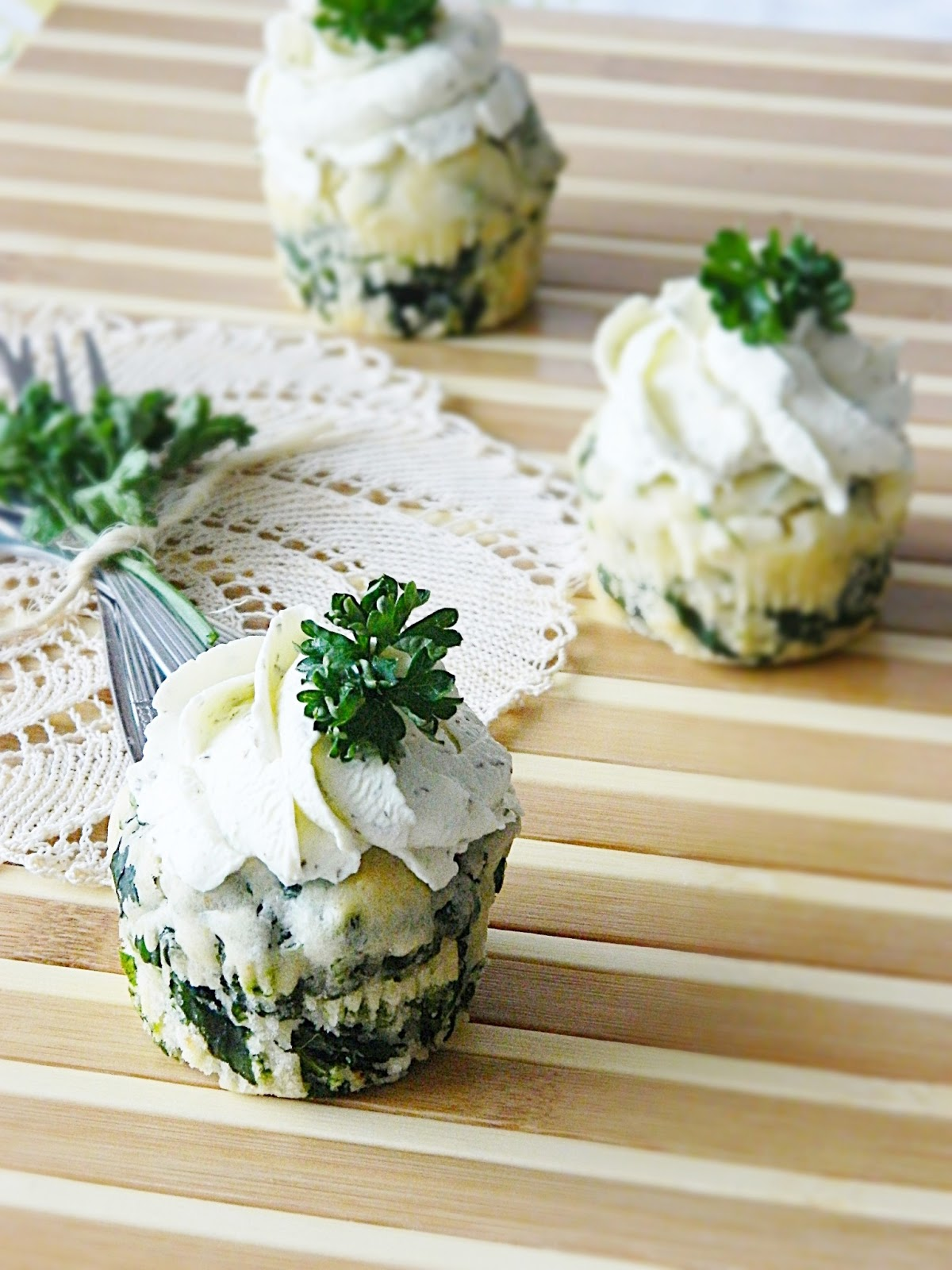 dr ola 39 s kitchen spinach feta muffins spinat feta muffins. Black Bedroom Furniture Sets. Home Design Ideas