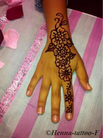Henna Tattoo By F Juin 2013