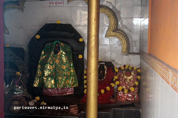 Nitei Dhobani – celebrated tantric women