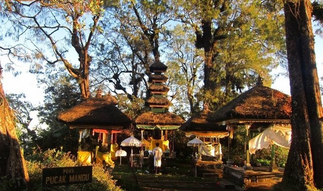 Destinasti Objek Wisata Pura Puncak Manggu Di Petang Badung