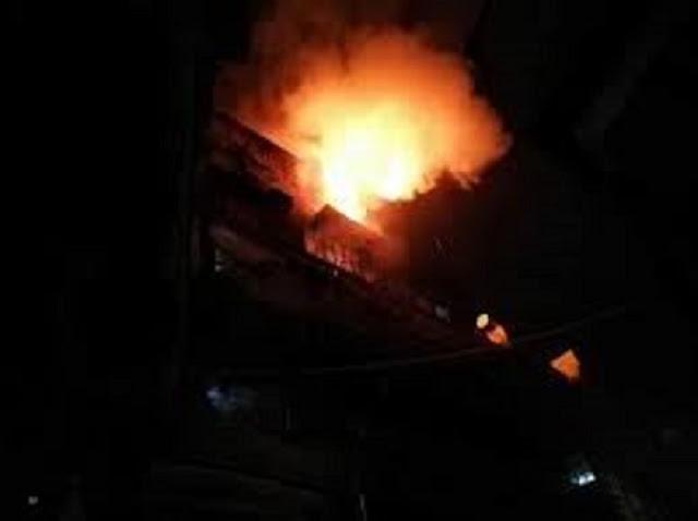 """وفاة 7 أطفال وسط دمشق إثر نشوب حريق في منطقة المناخلية والعم يتحدث """" فيديو"""""""