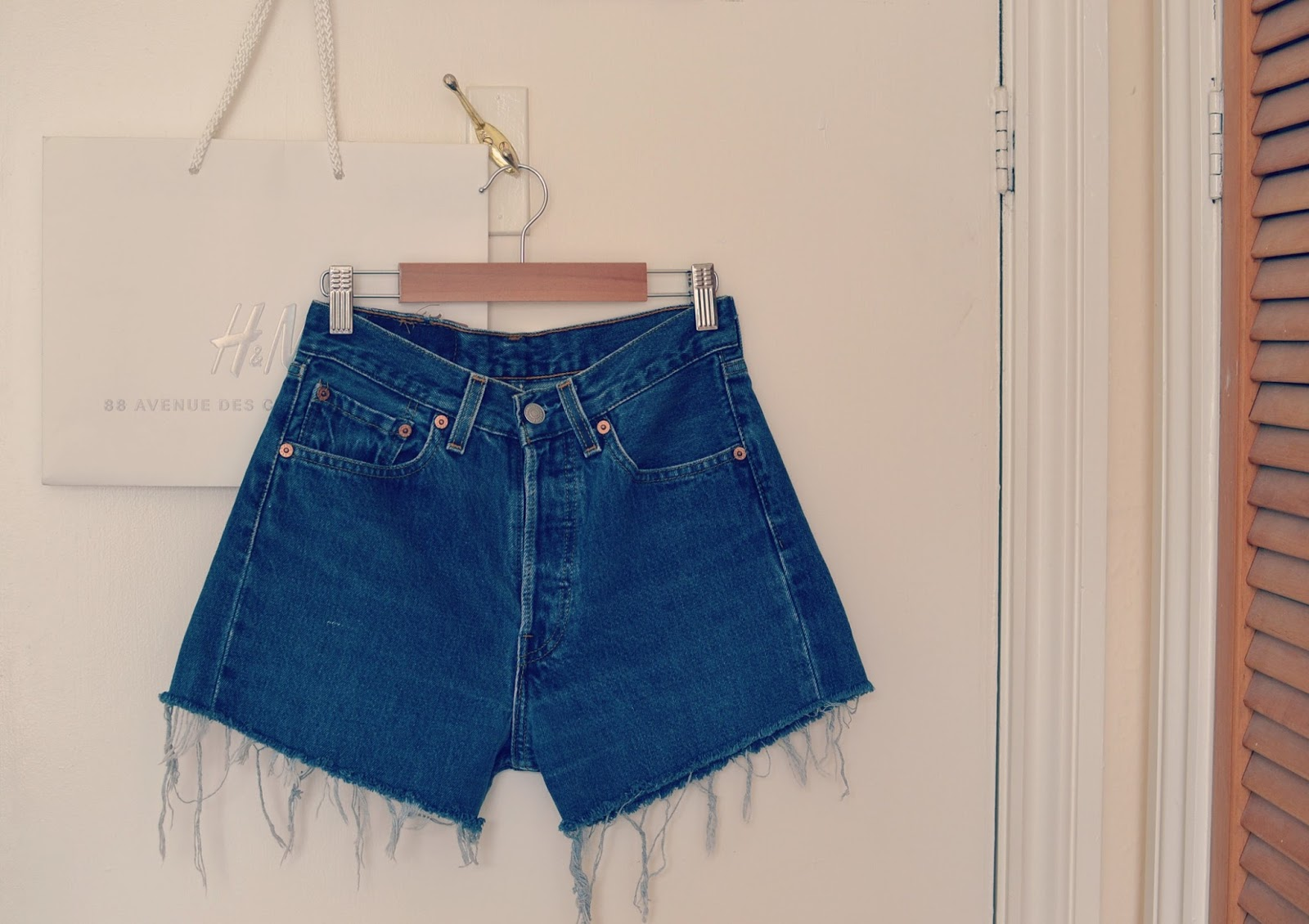 Levi cut off denim shorts
