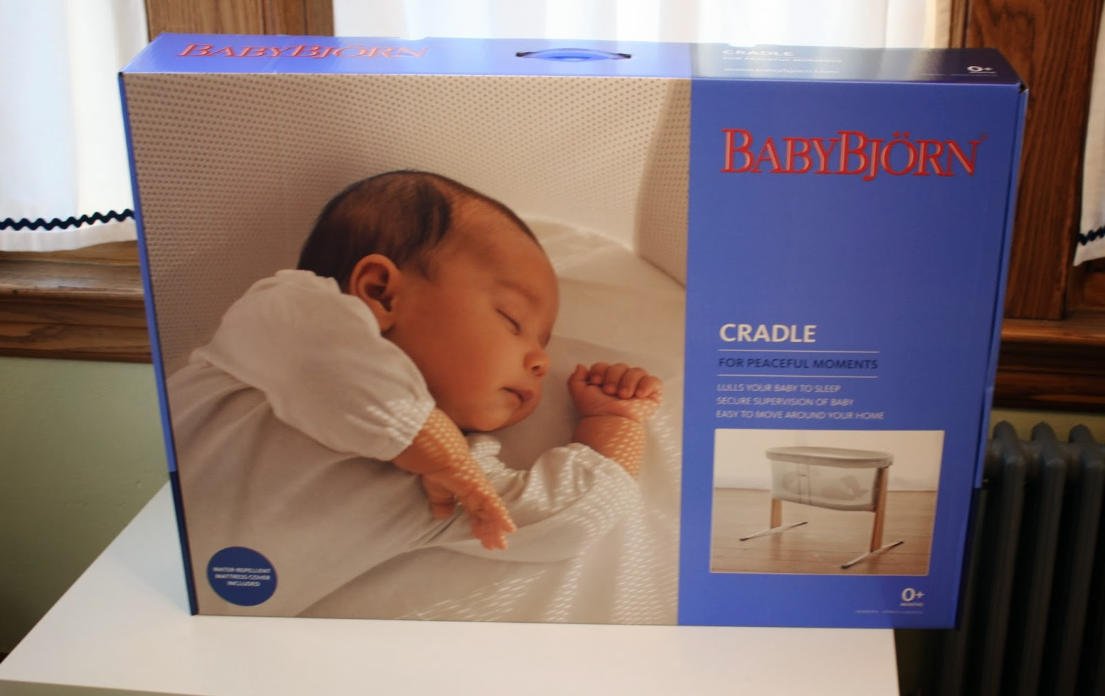 a9a9e4353c0 The BabyBjörn Cradle  A Review   Giveaway - The Chirping Moms