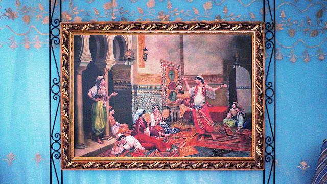 Изображение картины в номере отеля, Касабланка