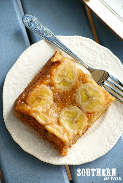 Healthy Salted Caramel Banana Upside Down Cake Recipe - low fat, gluten free, refined sugar free, clean eating friendly, healthy cake recipes, dessert