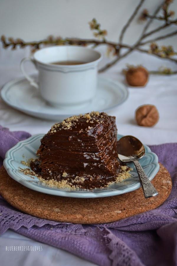 CRÊPE CAKE DE MOCHA Y NUECES