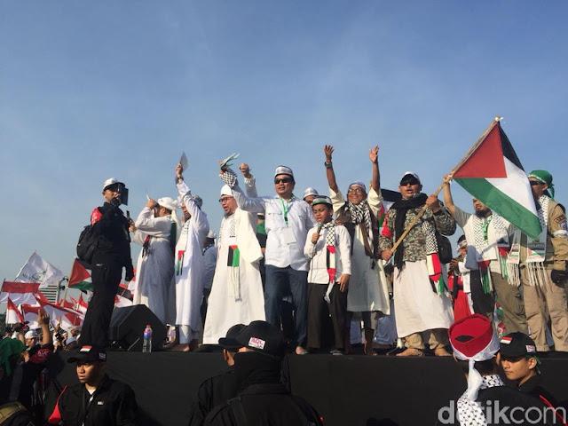 Numpang Kesempatan, FPI Bahas 2019 Ganti Presiden dari Panggung Aksi Bela Palestina