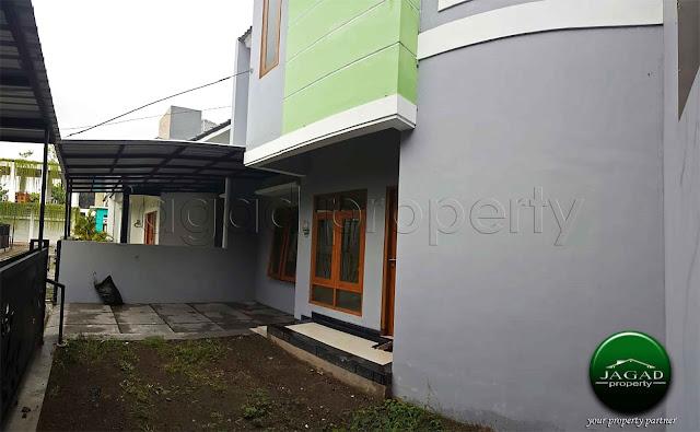 Rumah 2 Lantai di jalan Damai