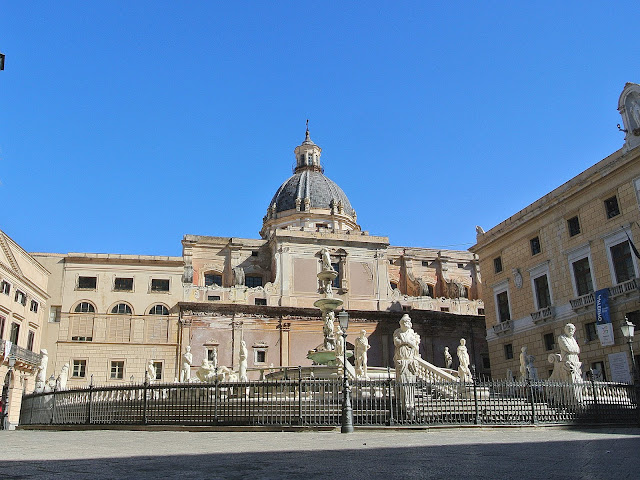 Fontanna wstydu, centrum Palermo, miasto, co zobaczyć?