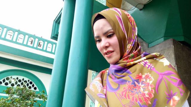 Angel Lelga: Saya Mualaf, Tak Mungkin Tukar Akhirat untuk Hal Duniawi