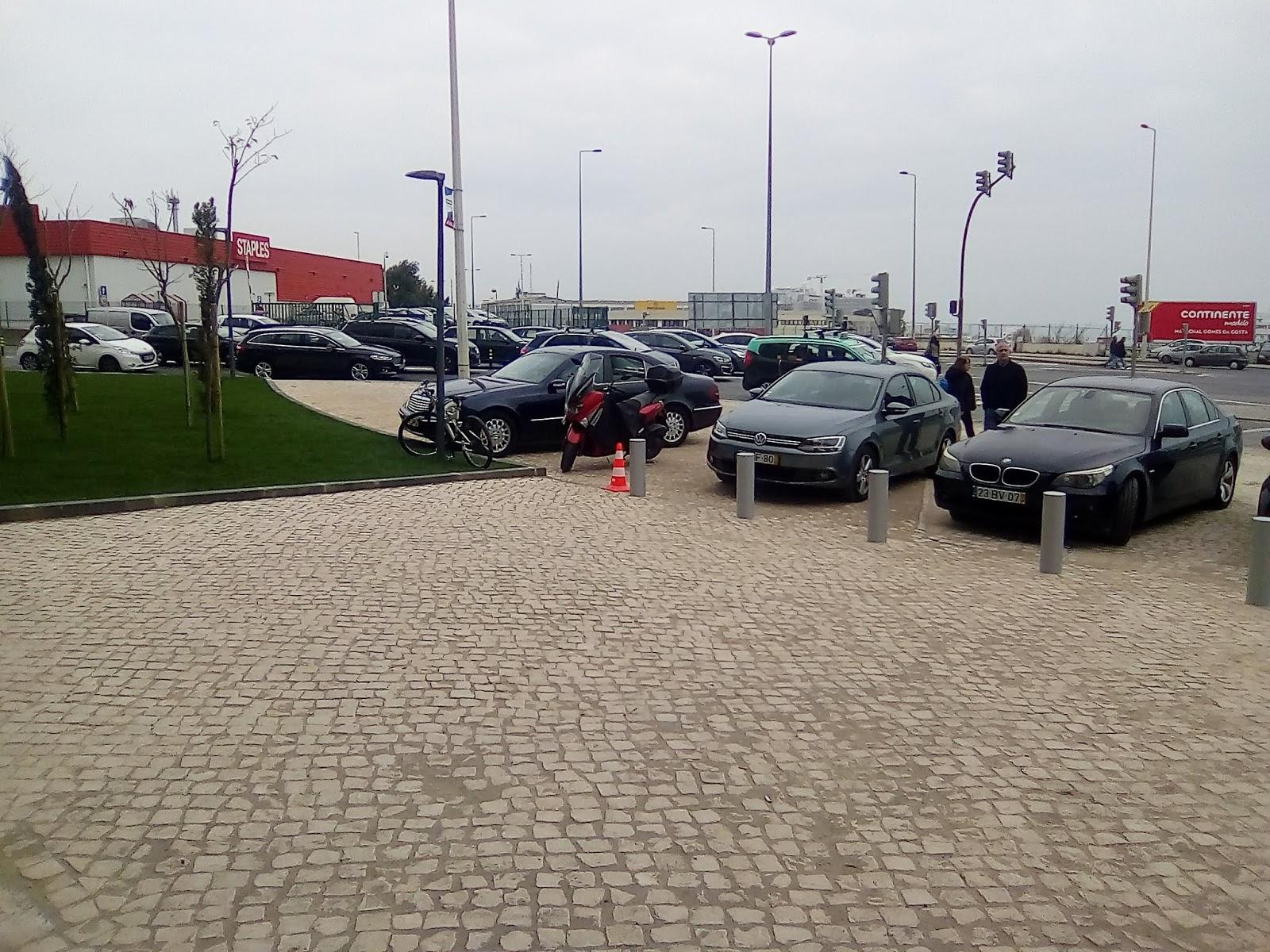 cd71463cc Estas imagens são da nova Decathlon situada no Batista Russo em Lisboa. Não  tem esta Decathlon parque de estacionamento