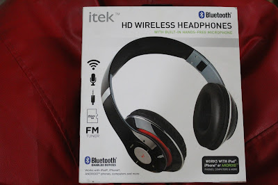 4a54064b3ed I am samiya , its my first ever blog, I want to share my views of my new  itek (HD wireless headphone)