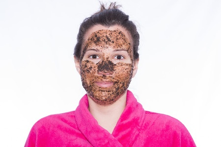 A DIY coffee facial by Barbies Beauty Bits