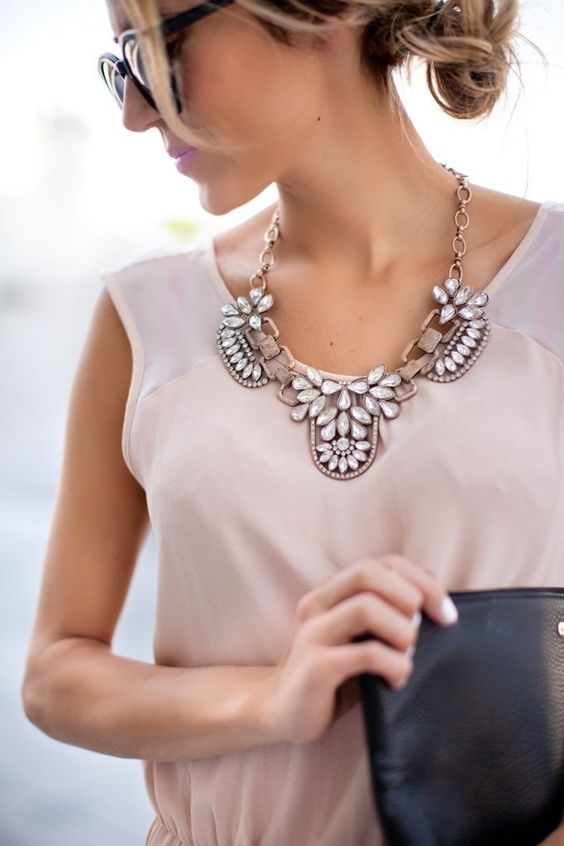 Amazingly Beautiful Neckalce To Take Your Outfit Next Level