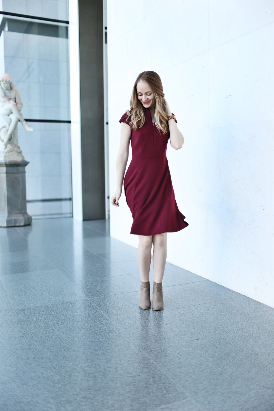 Nora Gardner: Formal Red Dress | Chow Down USA
