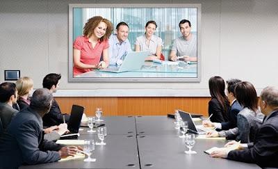 Hội họp với thiết bị hội nghị truyền hình trực tuyến