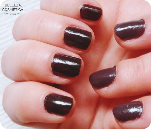 Aclarar esmaltes de uñas oscuro