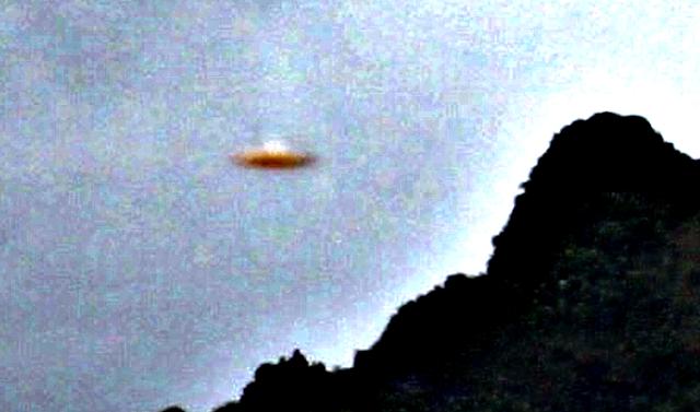 UFO News ~ UFO Over Brisbane Australia and MORE Halloween%252C%2Bprank%252C%2Bastronomy%252C%2BUFO%252C%2BUFOs%252C%2Bsighting%252C%2Bsightings%252C%2Bnews%252C%2Bmap%252C%2Bmountains%252C%2Bdisclose.tv%252C%2Bwikileaks%252C%2BBrazil12