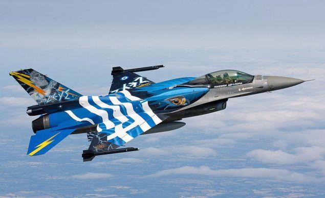 Ο πιλότος της Ομάδας Ζευς που θα «σκίσει» τους αιθέρες της Θεσσαλονίκης στις 28 Οκτωβρίου