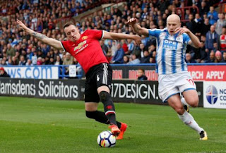 Manchester United vs Tottenham Hotspur: Phil Jones Siap Dimainkan