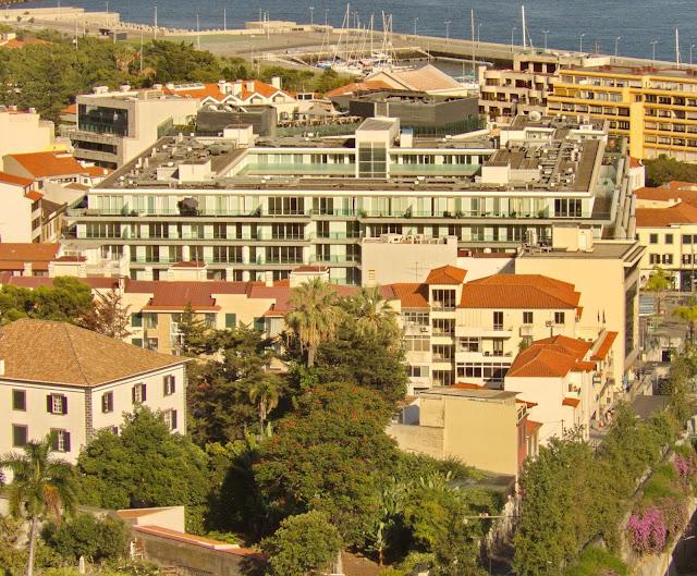o edifício Funchal Centrum