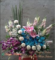 Rangkaian-Bunga-Mawar-Biru-Jakarta-Online-Florist