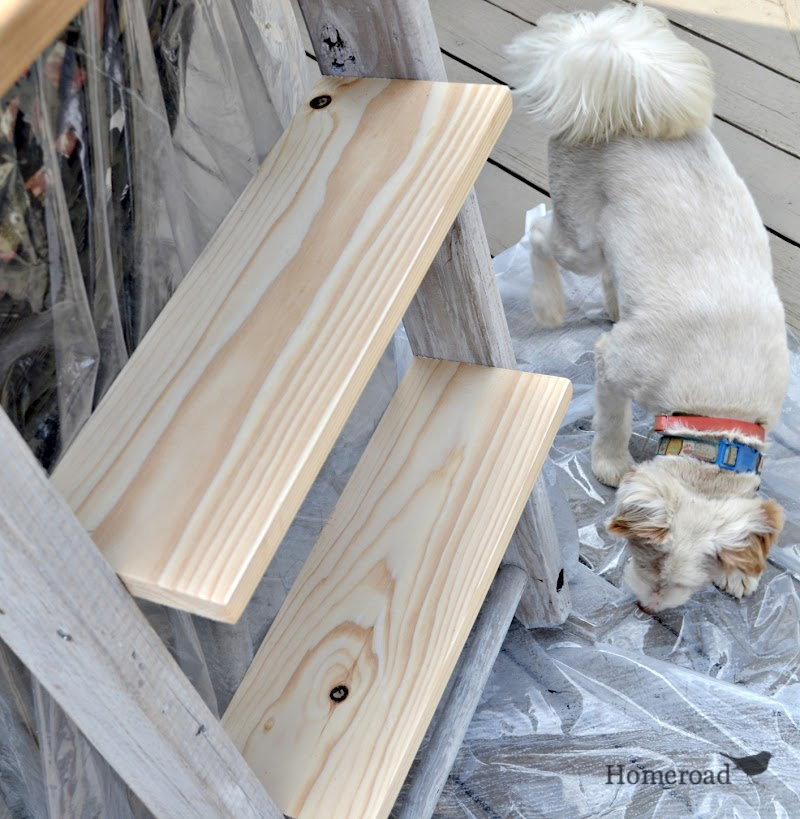 How to Make Shelving From a Ladder