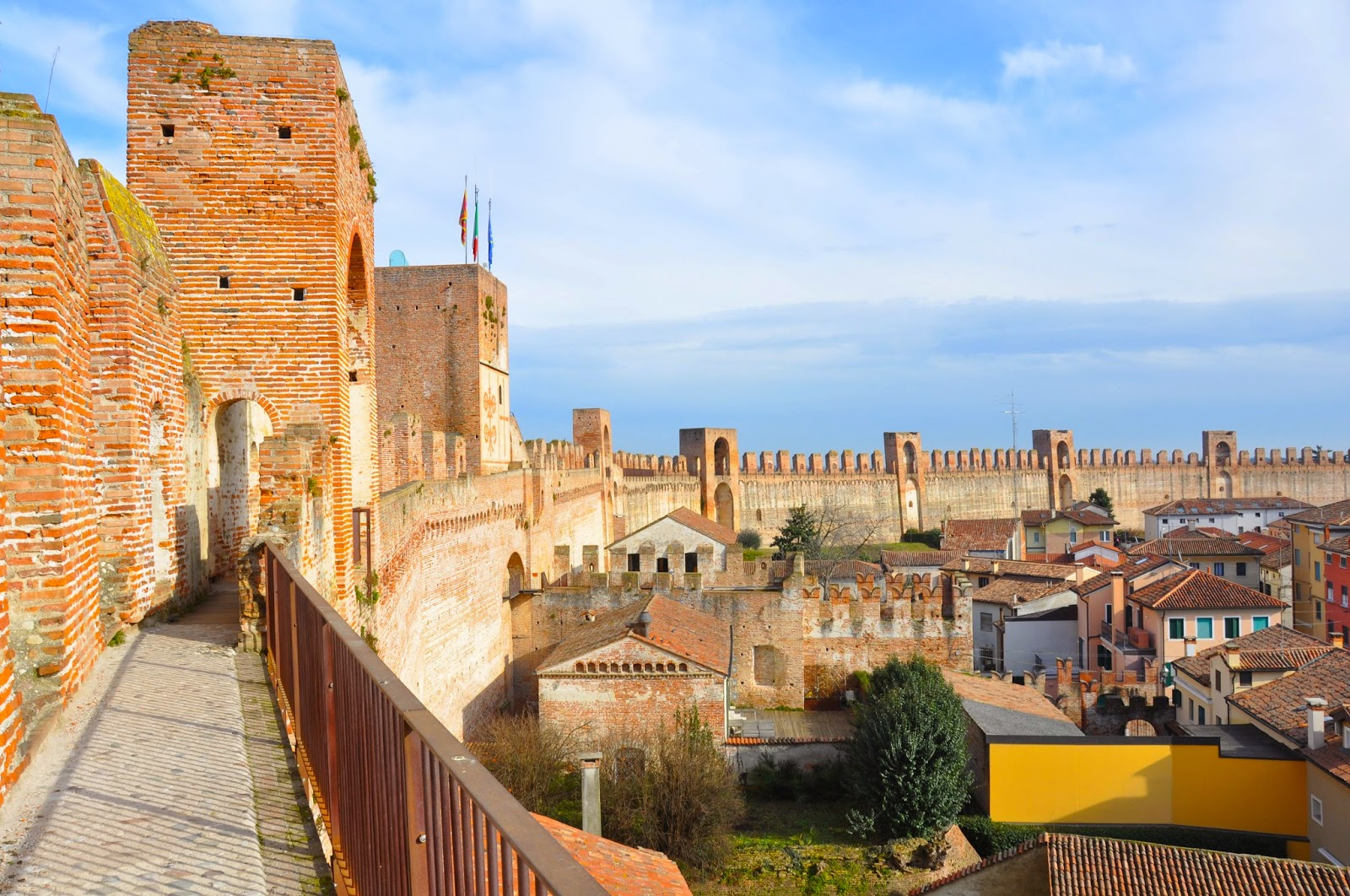 medieval wall parapet walkway cittadella veneto