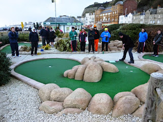 Photo of Richard Gottfried playing hole 16 of the Pirate Golf course in Hastings at the 2015 BMGA British Club Championships