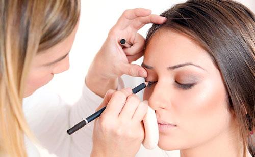 Como trabajar de maquillador profesional