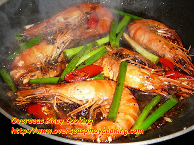Black Peppered Prawns Pinoy Style - Cooking Procedure