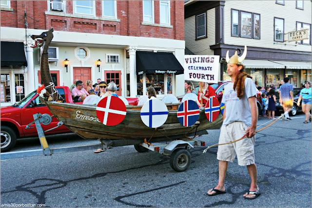 Vikingos en el Desfile del 4 de Julio en Rockport