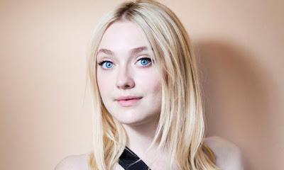 Светлые волосы и голубые глаза