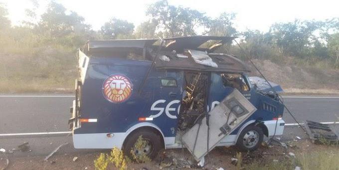 Grupo explode carro forte na PI-140 próximo a Floriano