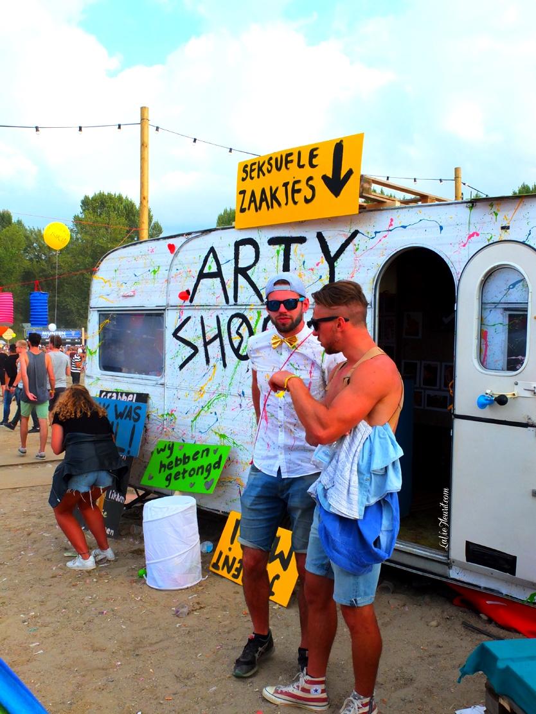Solar, Festival, festivalseason, summer, creative, artist, dj, music, podium, kreatief, stages, creatives, art, laser, arty farty, musicblog, lifestyle, lifestyleblog, artist, kreatief, roermond, limburg, party, hotspot, muziek, de jeugd van tegenwoordig, fedde le grand, feest dj ruud, scooter, bnn, camping, kamperen, tipi, festipi, tent, LaVieFleurit.com,