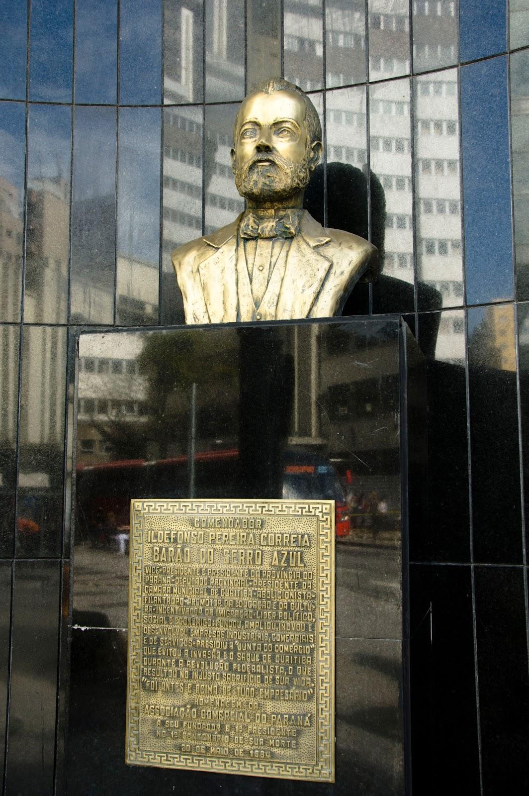 Bustos e Estátuas de Curitiba - Barão do Serro Azul e28636675e