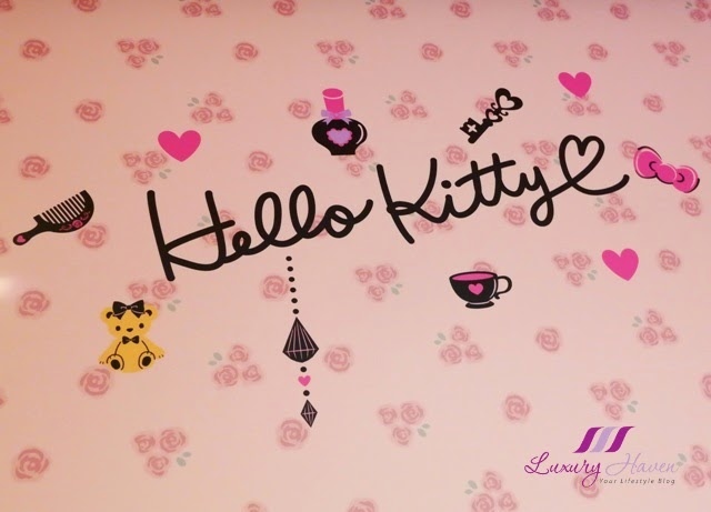 pretty hello kitty wallpaper keio plaza hotel tokyo