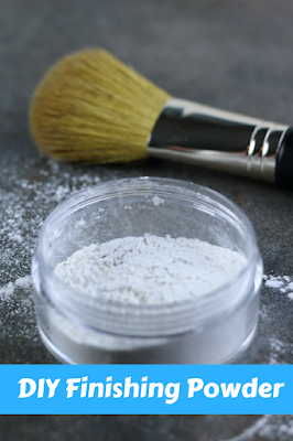 How to make your own finishing powder or setting powder at home. This DIY makeup is a must for oily skin or in the summer.  It absorbs excess oil and sweat while setting your makeup so it lasts longer. Learn how to apply it for best results.  This homemade recipe for setting powder is very simple to make with arrowroot powder.  It's not cakey and gives you a flawless finish for your makeup. #diymakeup #settingpowder #finishingpowder #summerbeauty #diybeauty