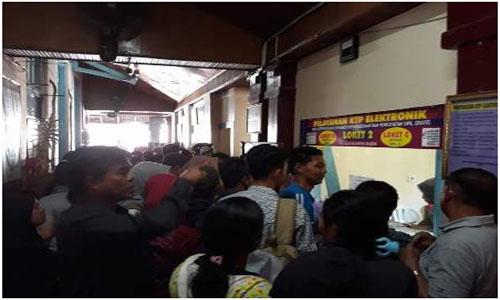 Azirwan, Komisi I DPRD Padang  ada peungli di Disdukcapil