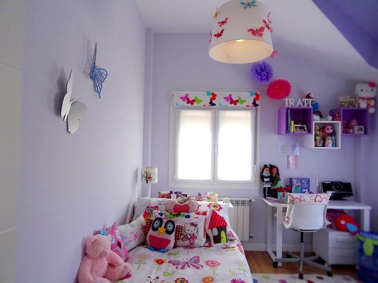 Dormitorio de niña en color morado